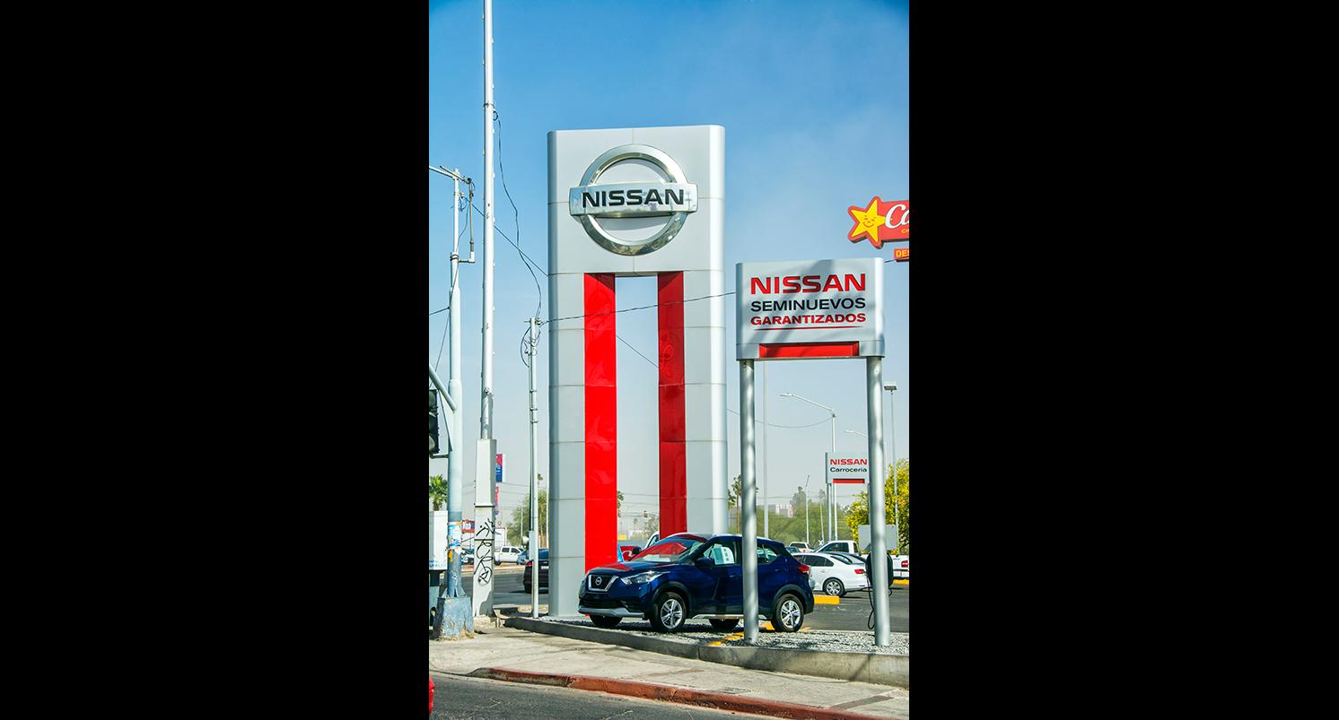 Nissan-tamanio-galeria-AX